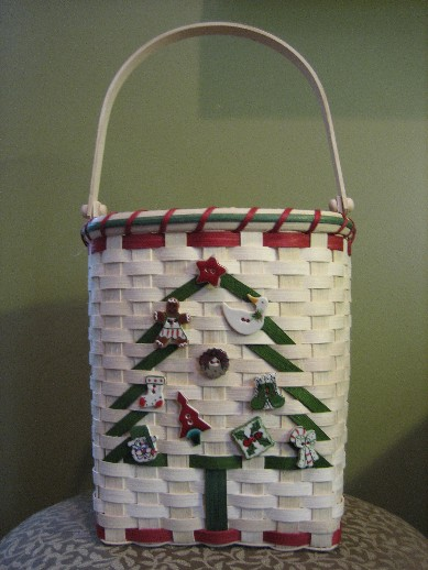 http://www.featherbaskets.com/kit%20files/Christmas%20Tree%202.jpg