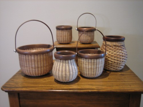 http://www.featherbaskets.com/kit%20files/Nantucket%20Display.jpg