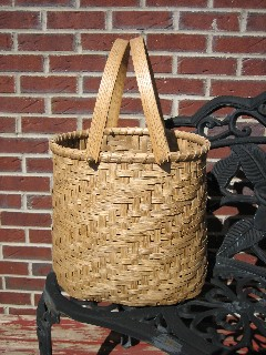 http://www.featherbaskets.com/kit%20files/Quilters%20Twill%20Tote.jpg