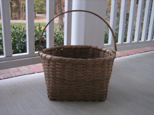 http://www.featherbaskets.com/kit%20files/Taghkanic%20field%20basket%20(2.jpg